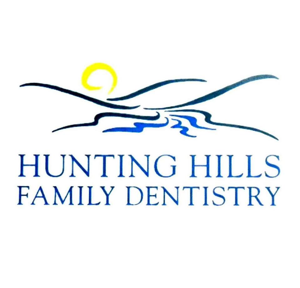 Hunting Hills logo